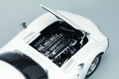 DiAgostini Toyota 2000GT subscription model engine