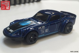 2016 Hot Wheels Nissan Fairlady Z - blue 06