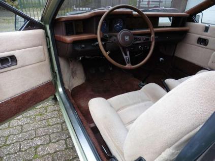 honda-civic-hatchback-benzine-bruin--102475077-Large