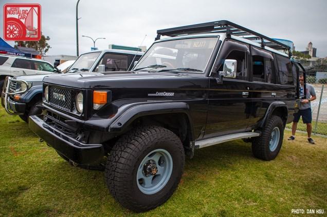 086-1221_Toyota LandCruiser J70