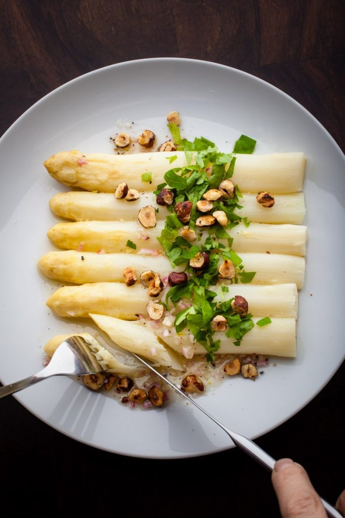 Did we say you should eat asparagus with your hands?