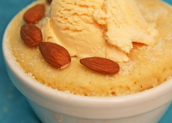 Healthy Almond Mug Cake #healthy #breakfast #dessert #almondmugcake