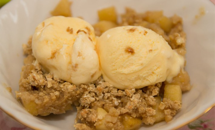 Healthy Apple Crumble #healthy #refinedsugarfree #glutenfree #quick