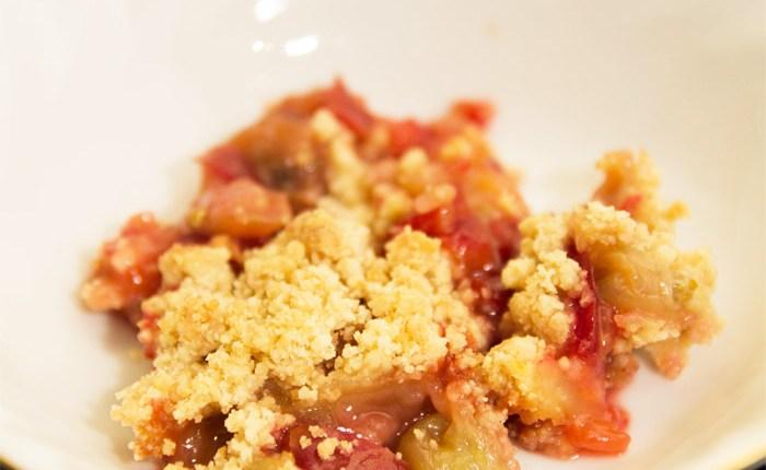 Gooseberry Plum Crumble #healthy #glutenfree #dairyfree #eggless #refinedsugarfree #easy #dessert