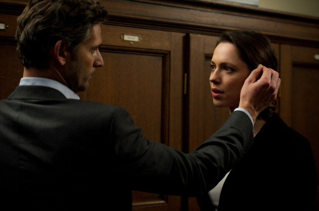 Closed Circuit Movie Still 1 Eric Bana & Rebecca Hall