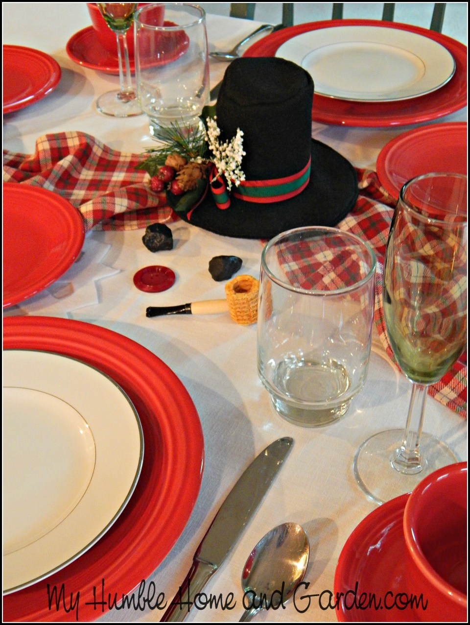Isn't This Easy DIY Melted Snowman Tablescape Adorable?