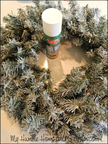 How To Make A Beautiful Delicate PineCone Wreath on MyHumbleHomeandGarden.com