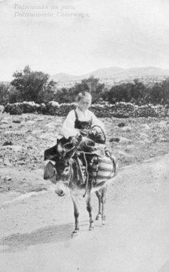 Povijest odjevanja u dalmaciji
