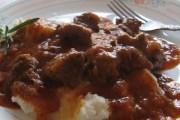 Tradicionalni recept za goveđi gulaš (paprikaš)