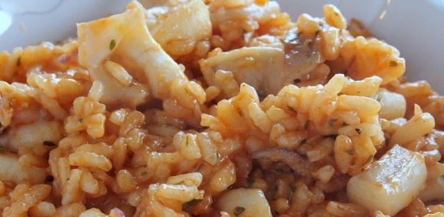 Domaći rižot od sipe