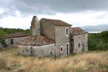 kamena kuća kolijevka običaja i tradicije