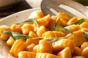 Recept za domaće njoke s maslacem  i listićima kadulje