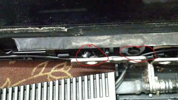 HP CX0141TX Hinge - Female Plastic Screw Thread Is broken in pieces