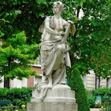 Tuileries 7