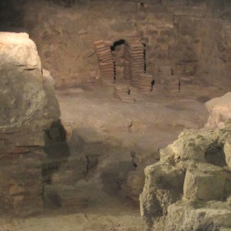 Notre Dame archaeological crypt 20