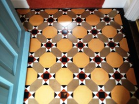 Victorian Tiled Floor Thame After Cleaning and Sealing 1