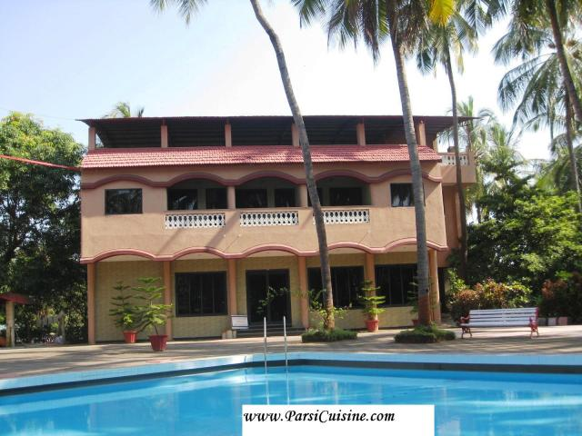 Pearline Hotel Pool2
