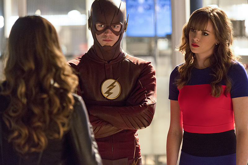 "The Flash -- ""Family of Rogues"" -- Image FLA203a_0235b.jpg -- Pictured (L-R): Peyton List as Lisa Snart, Grant Gustin as The Flash, Danielle Panabaker as Caitlin Snow -- Photo: Jeff Weddell/The CW -- © 2015 The CW Network, LLC. All rights reserved."