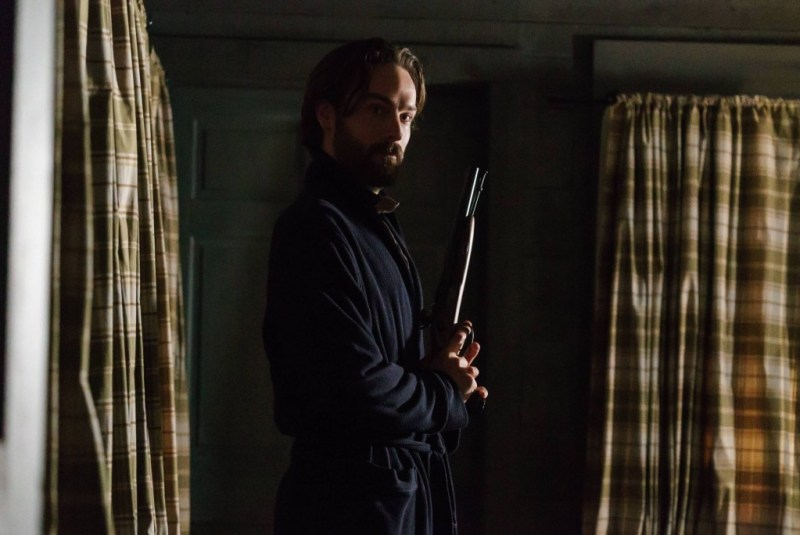 """SLEEPY HOLLOW: L-R: Tom Mison in the ÒOne Life"""" winter premiere episode of SLEEPY HOLLOW airing Friday, Feb. 5 (8:00-9:00 PM ET/PT) on FOX. ©2016 Fox Broadcasting Co. Cr: Tina Rowden/FOX."""