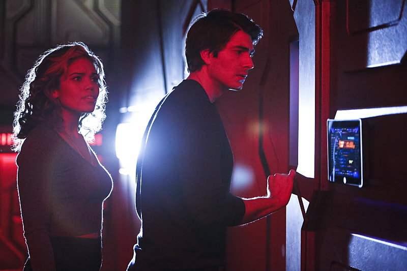Wrong red light district, guys. (Bettina Strauss/The CW)
