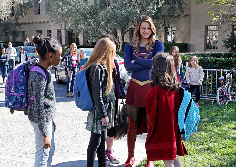 You don't tug on Supergirl's friends' capt. (Michael Yarish/CBS)