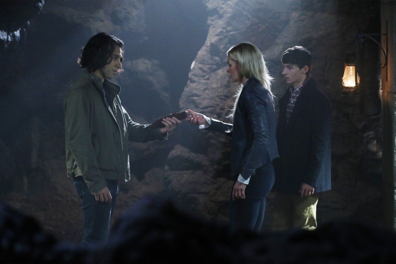 "A ""shear"" way to escape one's Fate, I suppose. (ABC/Jack Rowand) DENIZ AKDENIZ, JENNIFER MORRISON, JARED S. GILMORE"