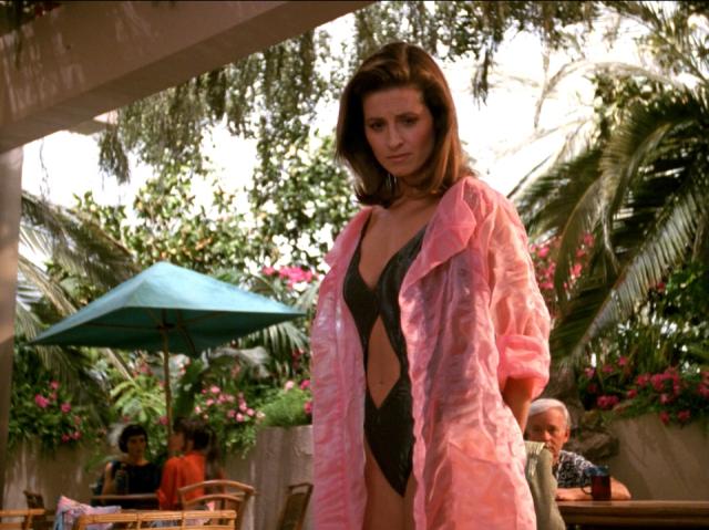 Vash played by Jennifer Hetrick - Captain's Holiday - Star Trek The Next Generation