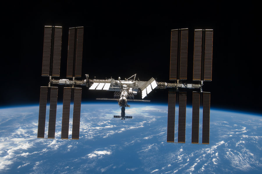 3 Easy Tools for Spotting the ISS