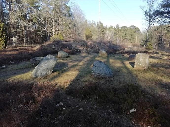 Svea y Pablo - El cementerio de Björketorpsstenen