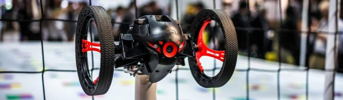 Citoyen du Monde Inc black drone ces 2015 wheels or flying red net