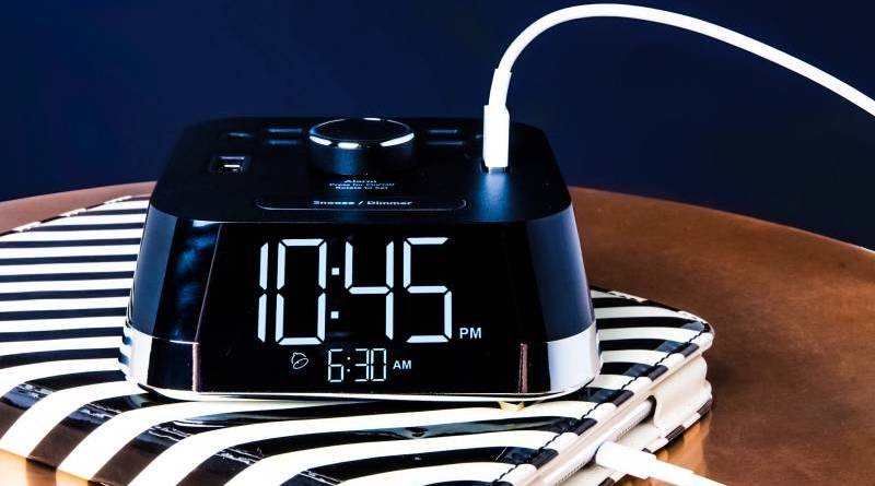 Brandstand CubieTime Reliable Alarm Clock Hotels USB Plus Sockets
