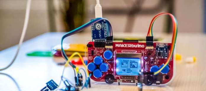 MAKERbuino is hackable DIY Build STEM Gaming Mobile Geek Cool Hacking
