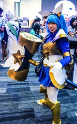 Geek Day 2017 Manila Philippines Green Giant FM Event Cosplay Cosplayer Anime Manga Female Woman Costume Sporting Hammer Weapon Fun Outfit