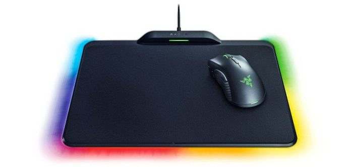 Mamba Firefly Hyperflux Razer Mouse Mat CES News Review Price Gaming Gear eSports Magnetic Field Wireless No Cords