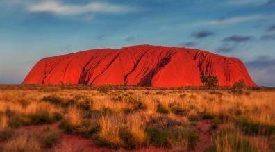 Der bekannte Uluru-Felsen in Australien.