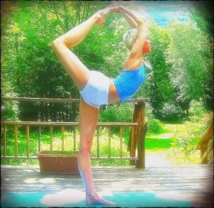 Ana Brett Kundalini Yoga pose - Yoganomics