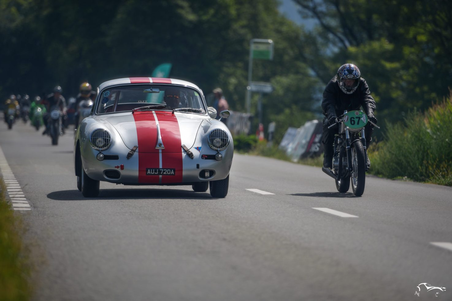 Porsche 356B 2000 cc 1963 & Honda CB350 Racing 350 cc 1970