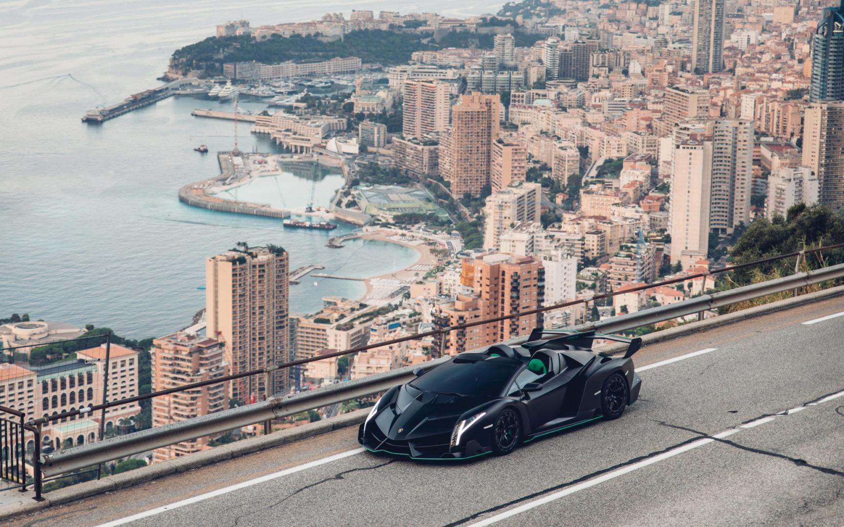 2015-Lamborghini-Veneno-Roadster-_15