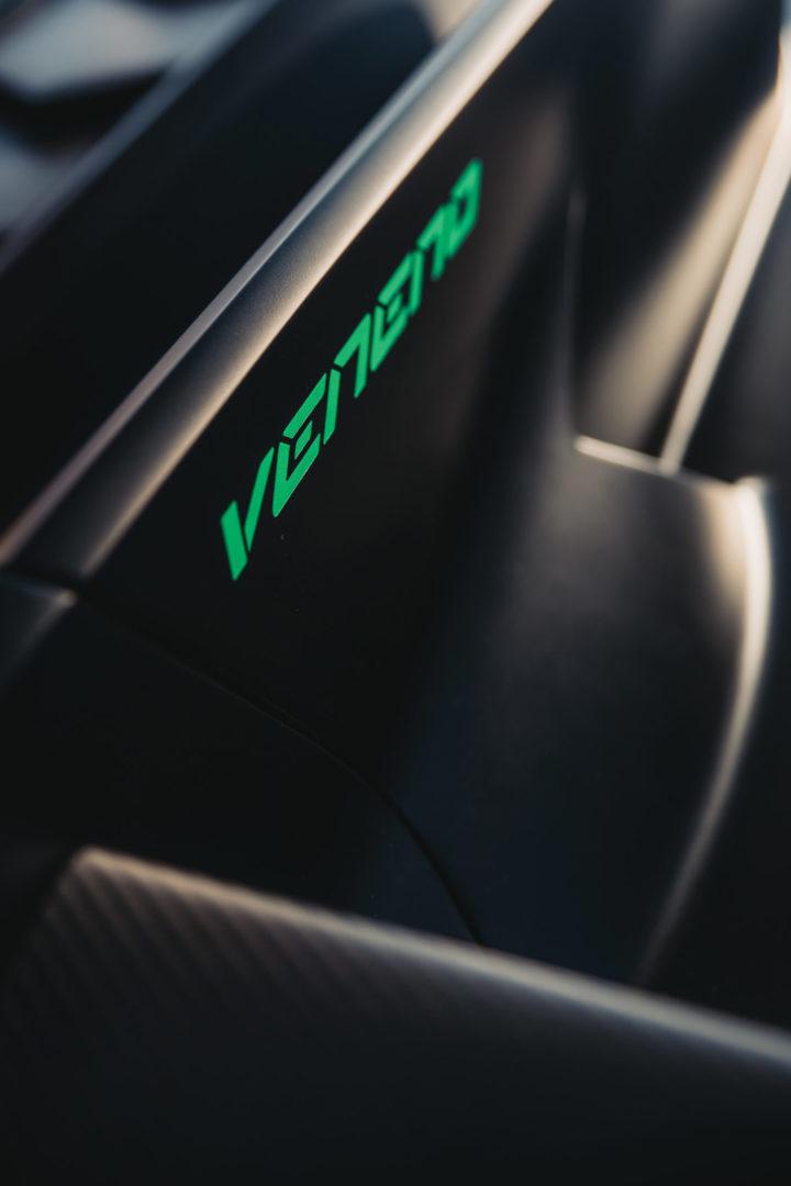 2015-Lamborghini-Veneno-Roadster-_7