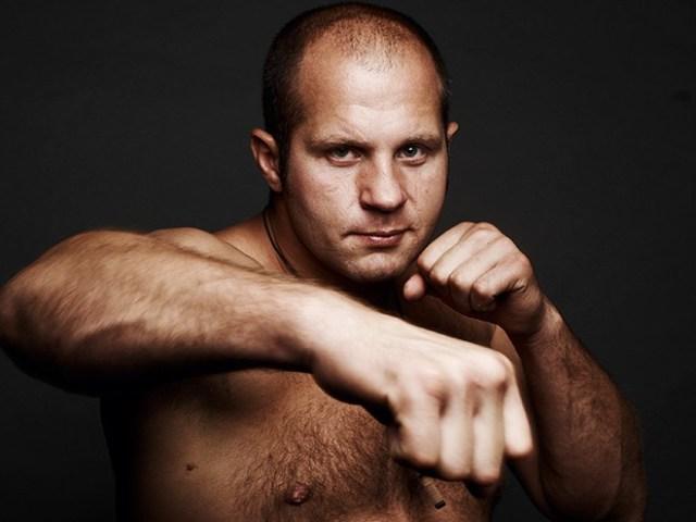 Боксёр Фёдор Емельяненко оказался на 9 кг легче своего противника Митриона
