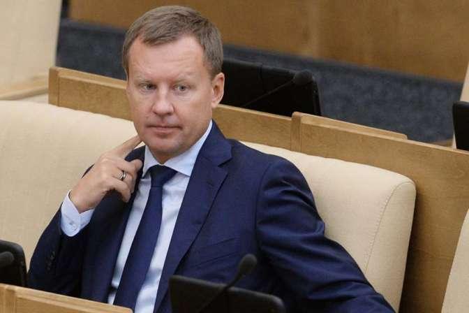 Экс-депутату Вороненкову предъявили заочное обвинение вмошенничестве