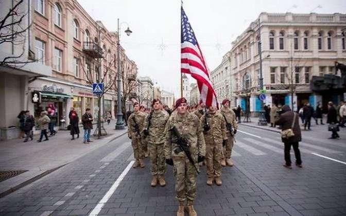 ВТаллине прошел парад сучастием неменее тысячи военных