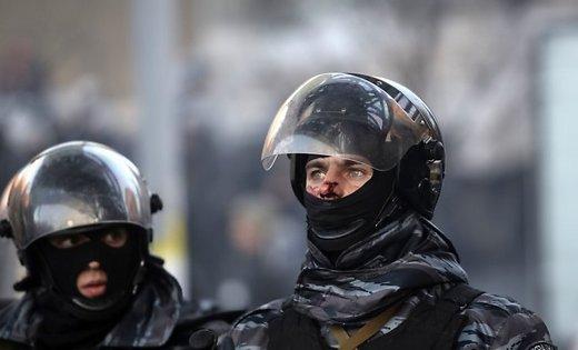 Впроцессе столкновений пострадал 1 полицейский, 5 человек задержаны