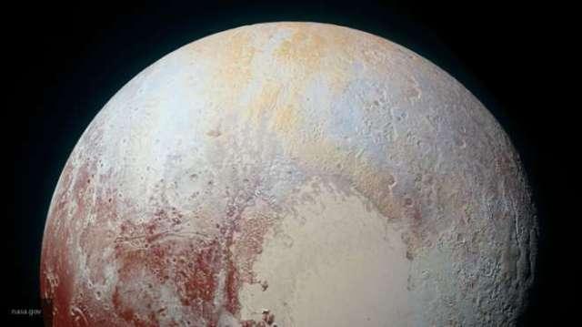Ученые не исключают зарождение жизни на Плутоне