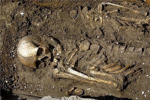 Найденные на Ямале захоронения в древнем поселении Юръ-Яха III удивили археологов