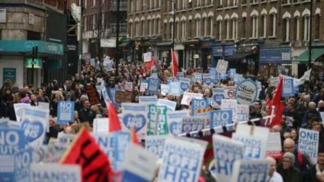 В Лондоне десятки тысяч демонстрантов протестовали против сокращений в здравоохранении