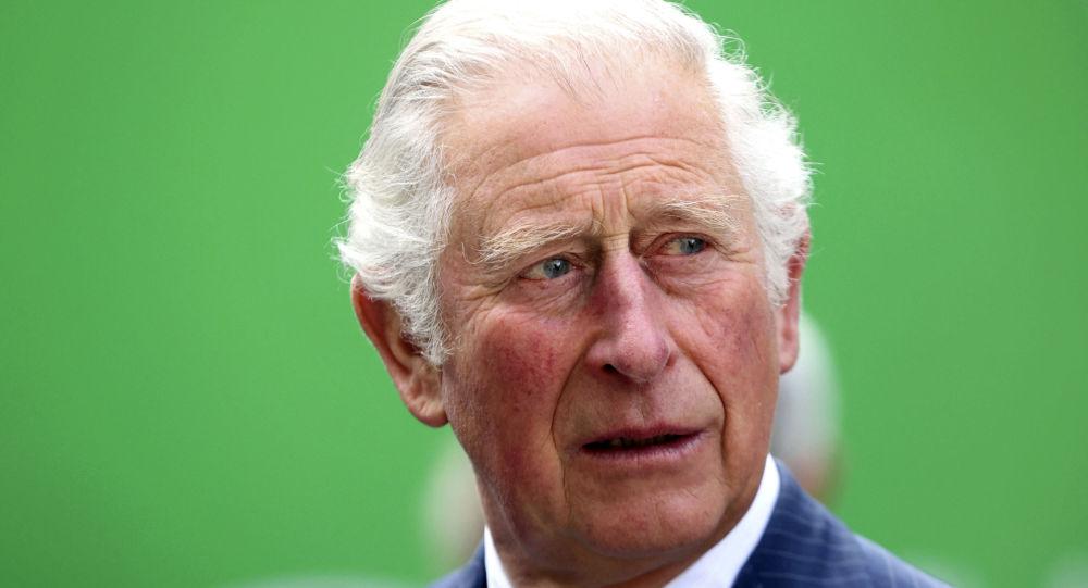 Бывший помощник принца Чарльза по прозвищу Распутин уходит из-за скандала с деньгами на королевские почести