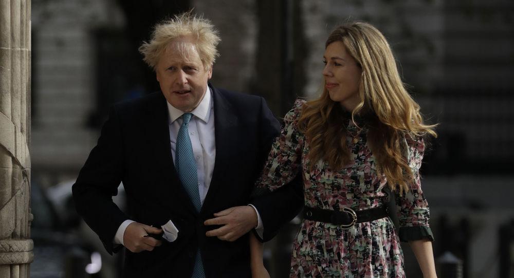 Согласно сообщениям, премьер-министр Великобритании Джонсон женится на невесте на тайной церемонии
