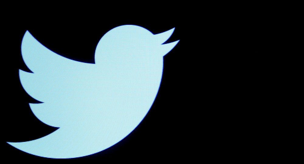 В статье WaPo утверждается, что «Талибан» все еще в Твиттере, потому что он не нарушает правила платформы, как Трамп