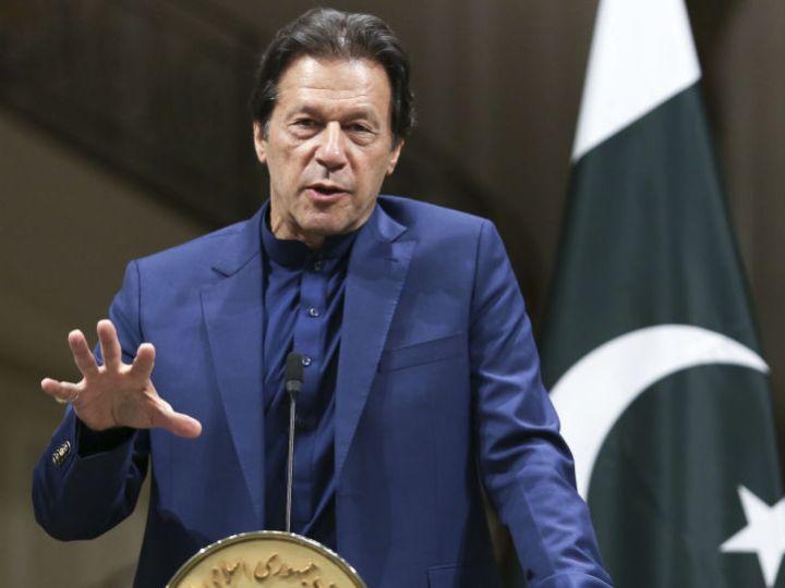 Имран Хан из Пакистана обвиняет в изнасиловании женщин, которые «мало одеваются»
